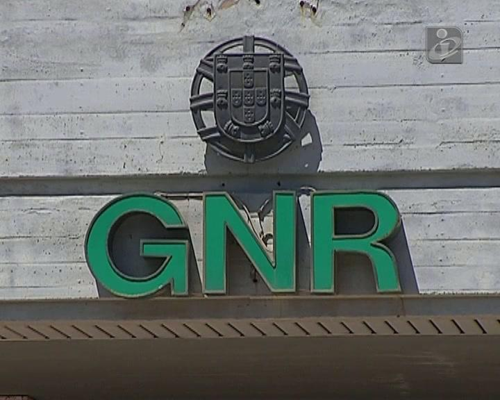GNR aos tiros em dia de folga