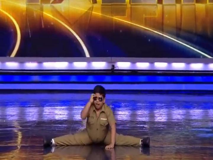 Menino surpreende o júri do programa «India's got Talent» (Foto:Reprodução/YouTube)