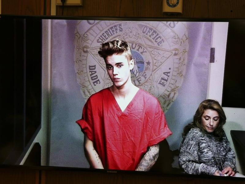 Justin Bieber detido por conduzir embriagado (Reuters)
