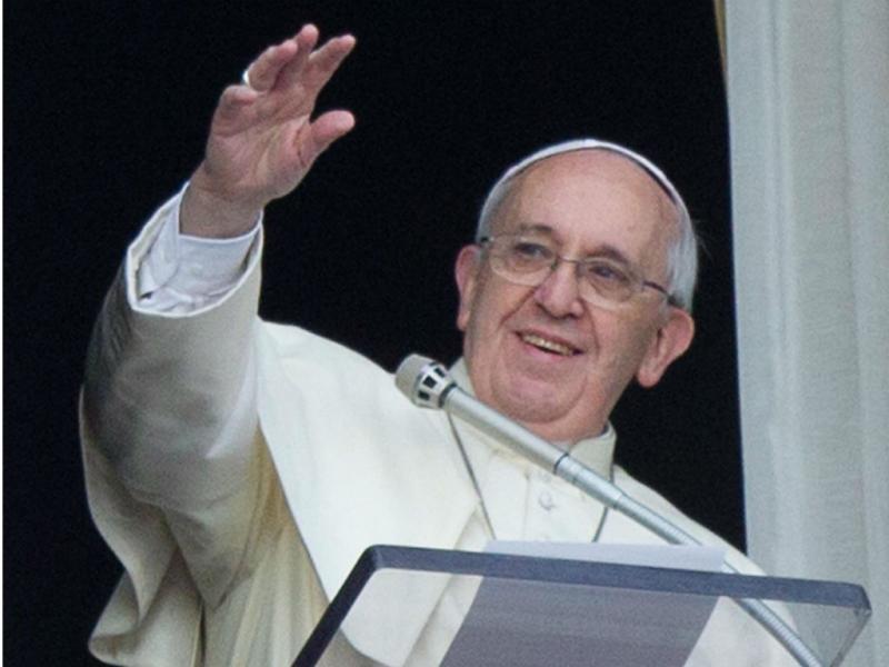 Papa Francisco e crianças soltam pombas [LUSA]