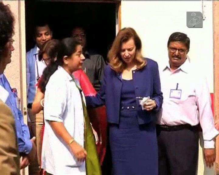 Ex-primeira-dama francesa de visita à Índia