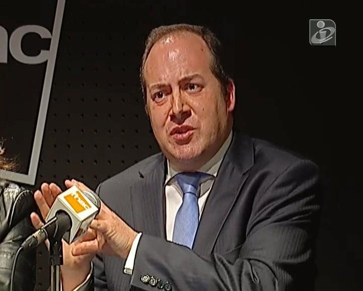 Álvaro Santos Pereira apela a entendimento entre PS e PSD