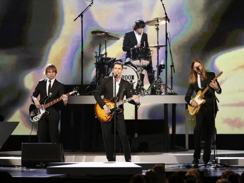 Maroon 5 no concerto de tributo aos Beatles em Los Angeles (Reuters)