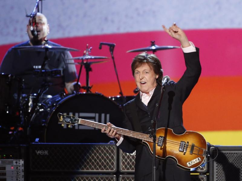 Paul McCartney no concerto de tributo aos Beatles em Los Angeles (Reuters)