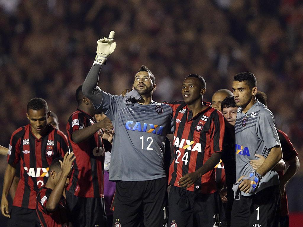 Libertadores: Botagofo e At. Paranaense apuram-se para a fase de grupos (Reuters)