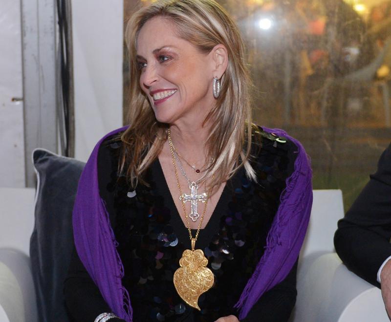 Sharon Stone com coração de Viana do Castelo ao peito Foto: DouroAzul
