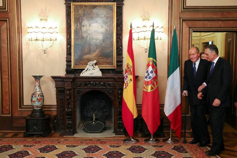 Cavaco Silva e Rei Juan Carlos (Foto: Reuters)