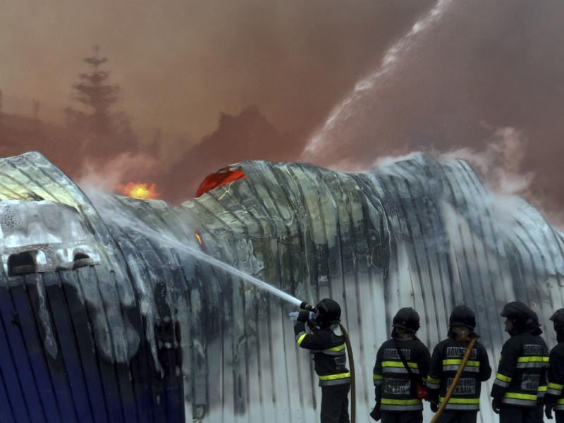 Incêndio em Gaia (LUSA - JOSÉ COELHO)
