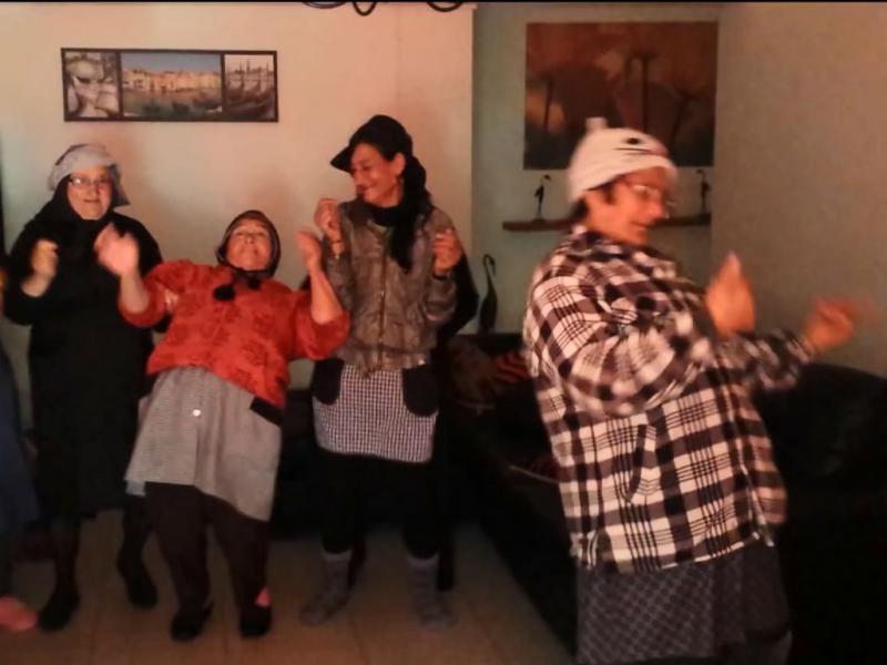 «Avós do Kuduro» fazem furor na Internet (Reprodução Youtube)
