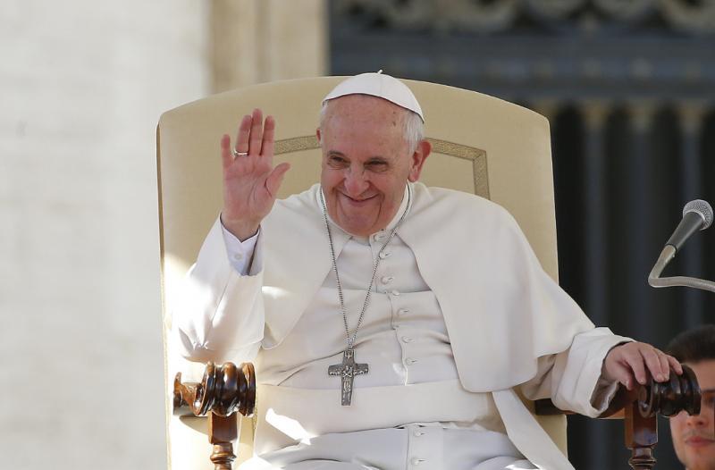 Papa Francisco celebra o Dia de São valentim na Praça de São Pedro Foto: Reuters