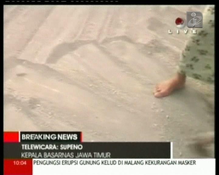 Erupção na ilha de Java causa 2 mortos e 200 mil desalojados