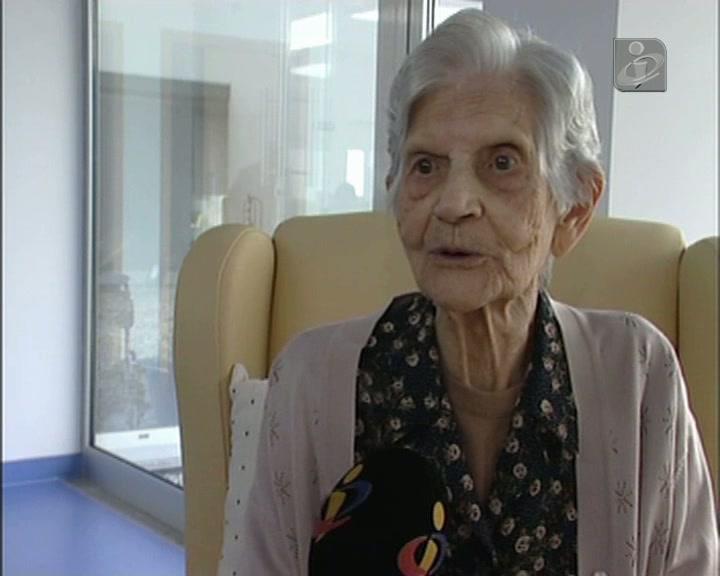 Ela tem 108 anos de idade e é «feliz»