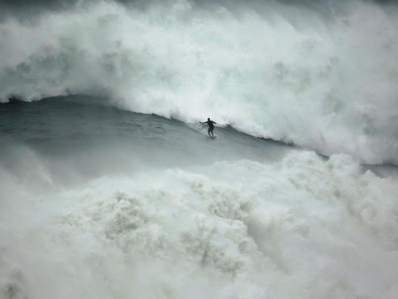 Onda gigante em Portugal (2013, Reuters)