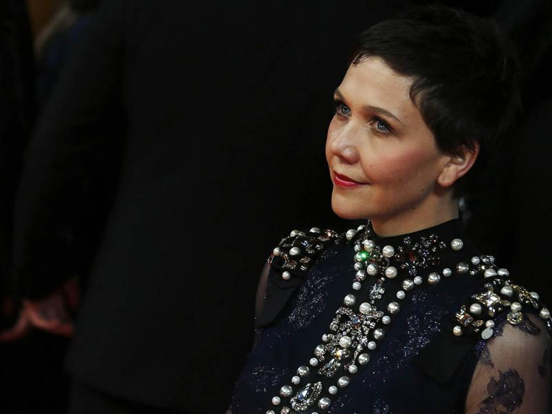 Maggie Gyllenhaal na passadeira vermelha da cerimónia dos prémios BAFTA (Reuters)