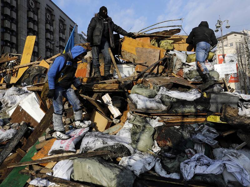 Violência nas ruas de Kiev (REUTERS)
