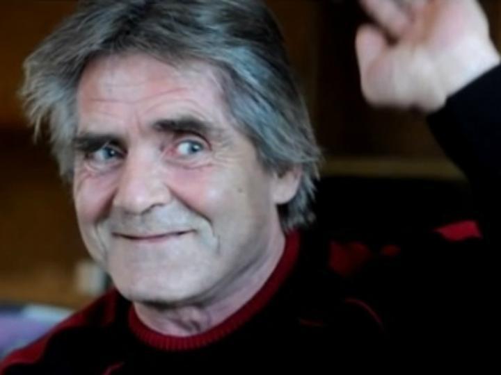 László Andraschek tem feito doações à instituição para sem-abrigo onde viveu (produção Youtube)
