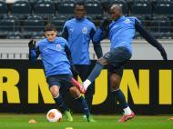 FC Porto prepara 2ª mão da Liga Europa em Frankfurt (EPA)