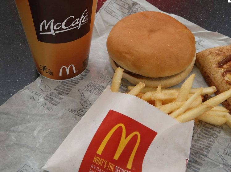 Homem processa McDonalds por lhe dar um guardanapo