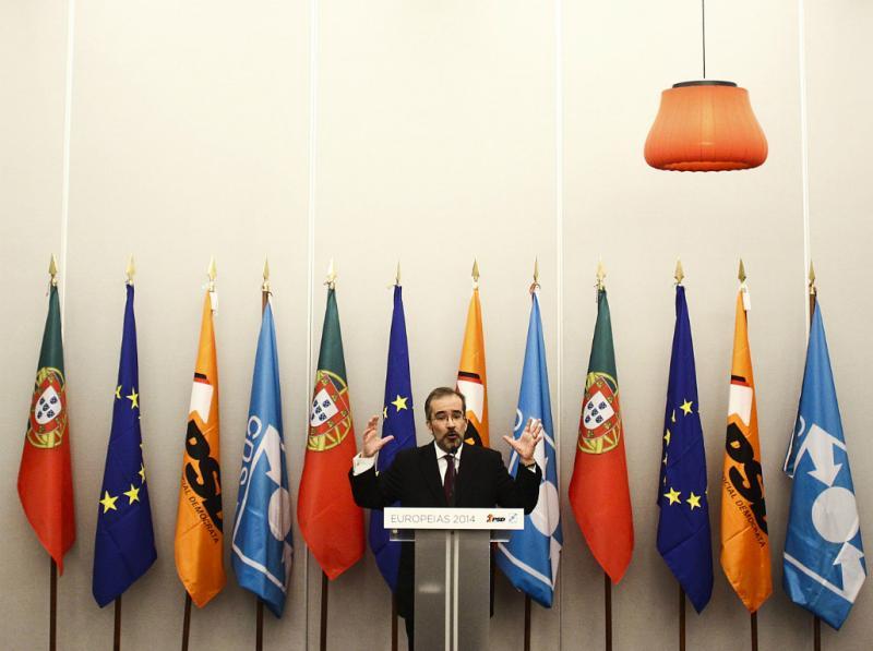 Paulo Rangel na cerimónia de assinatura do acordo de coligação PSD/CDS-PP para as eleições europeias (Lusa)