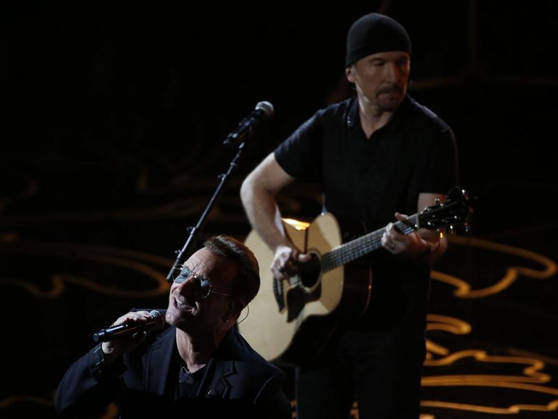 U2 na Cerimónia dos Óscares 2014 (REUTERS)
