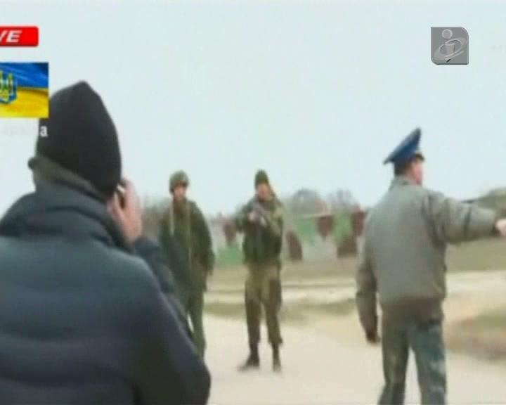 Tiros na Crimeia com russos e ucranianos frente-a-frente