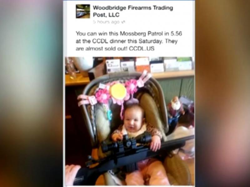 Criança de 6 meses com arma causa polémica no Facebook