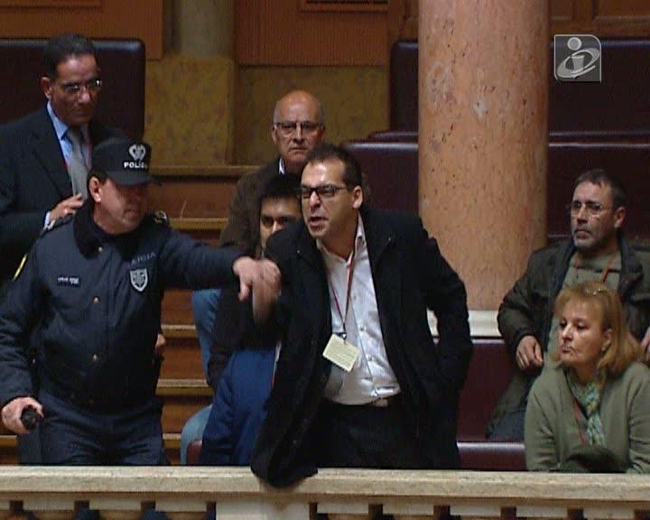 Protesto nas galerias do Parlamento
