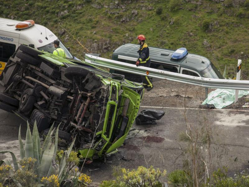 Acidente com minibus  nas Canárias (EPA/LUSA)