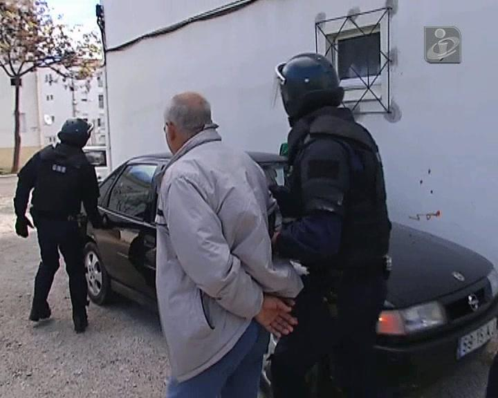 Ex-polícia condenado a seis anos de prisão por roubos