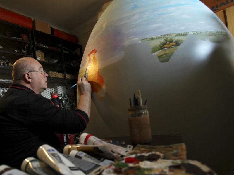 Ovos da Páscoa gigantes (REUTERS)