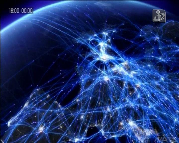 Vídeo mostra Europa iluminada pelo intenso tráfego aéreo