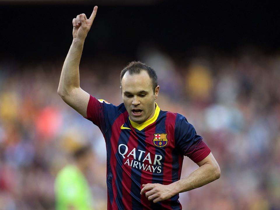Barcelona: Iniesta sucede a Xavi como capitão