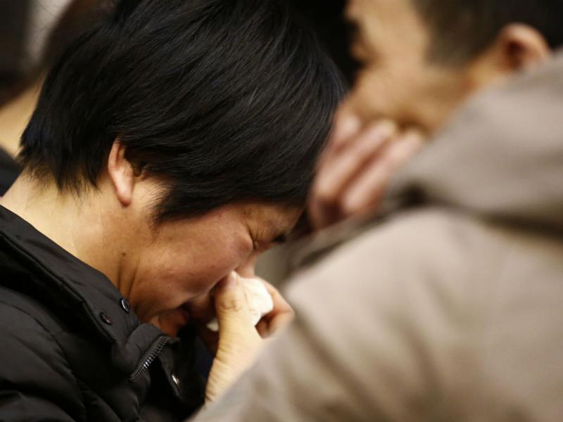 Familiares desesperam sem notícias do voo (REUTERS)