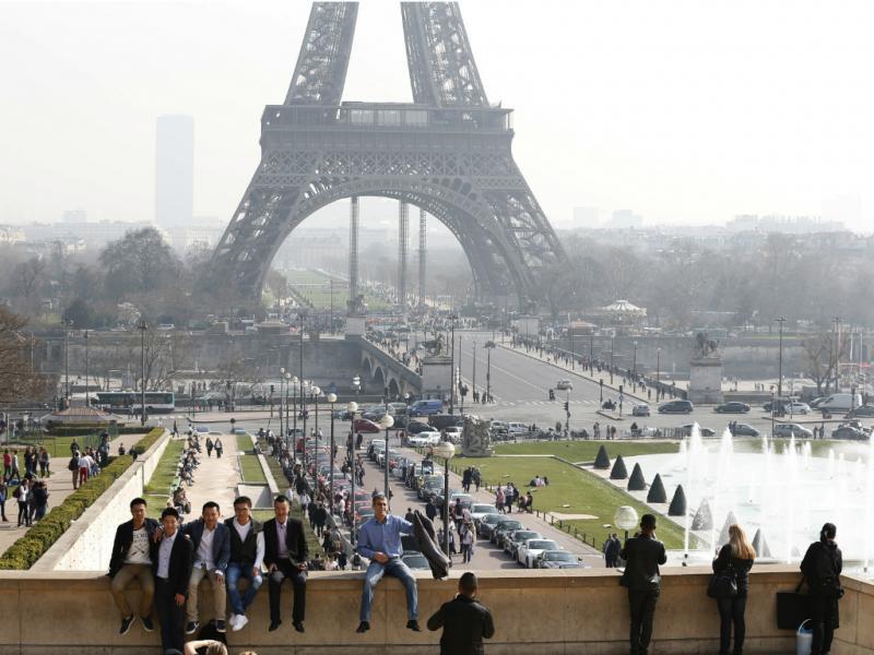 Turistas em Paris