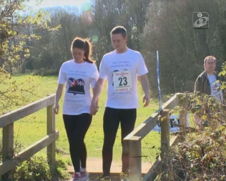 Corrida bizarra para casais tem direito a campeonato anual no Reino Unido