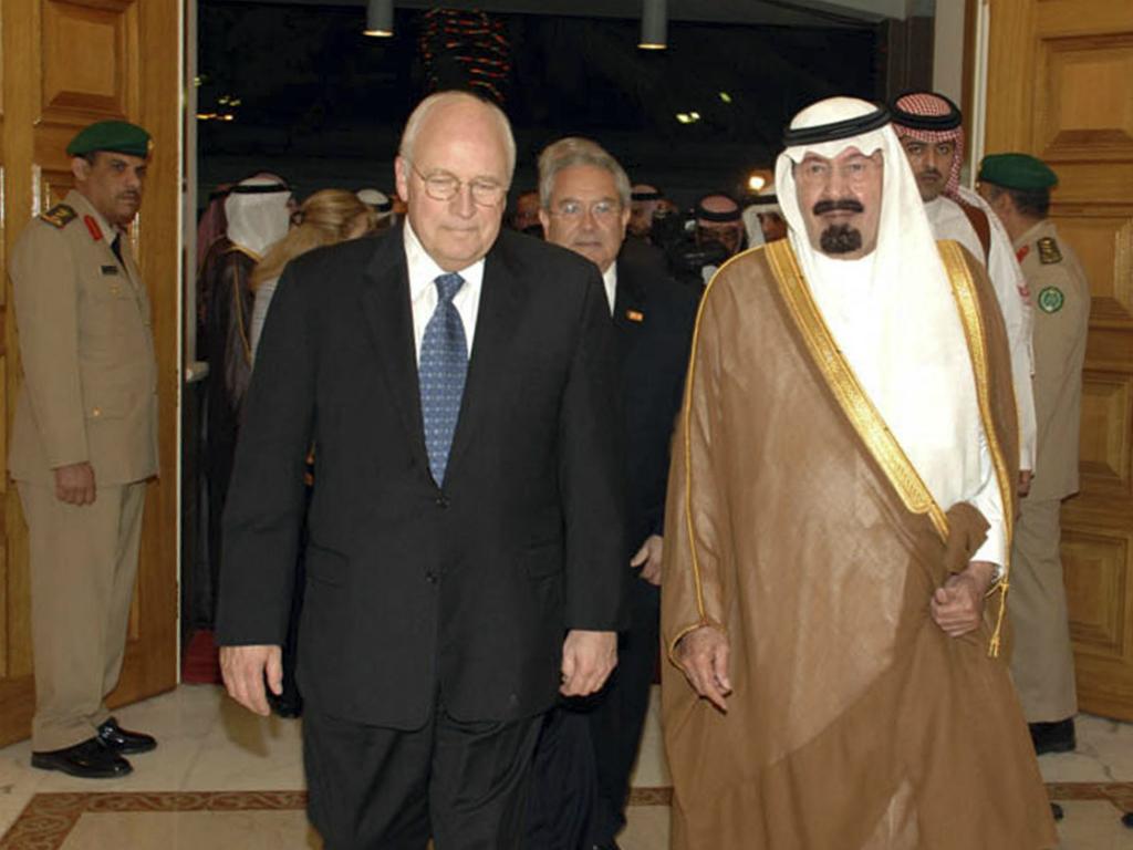 Rei Abdullah da Arábia Saudita e Dick Cheney, ex-vice-presidente dos EUA (Reuters)
