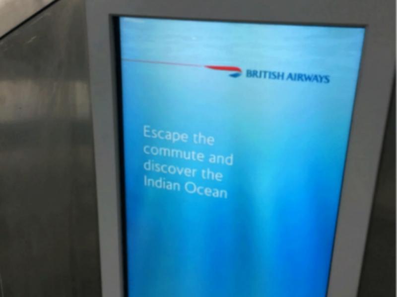 Companhia aérea convida passageiros a visitar o Índico (Reprodução / Reddit / The Independent)