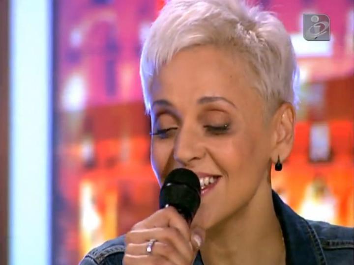 Mariza canta no Jornal das 8