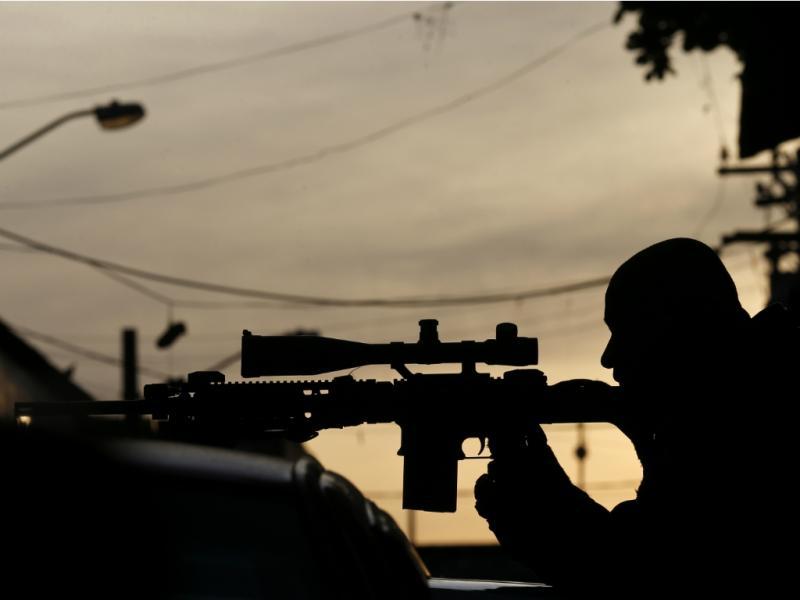 Sniper (Reuters)