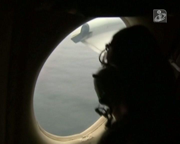 Buscas pelo avião da Malásia ganham novo fôlego