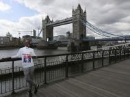 Mo Farah promove maratona de Londres (Reuters)