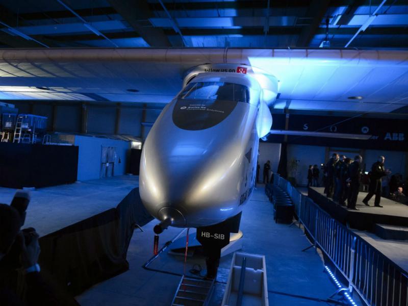 Avião solar que quer dar a volta ao mundo está pronto