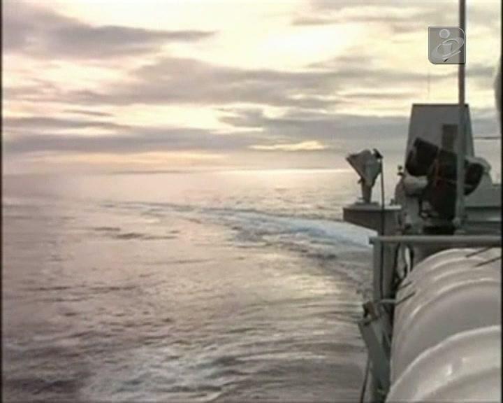 Malásia: co-piloto tentou fazer uma chamada telefónica