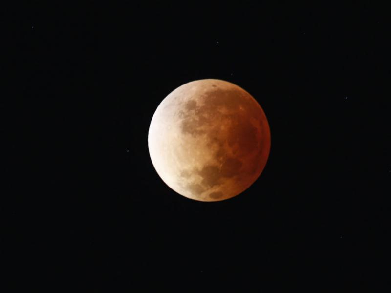 Lua vermelha: o eclipse em Buenos Aires