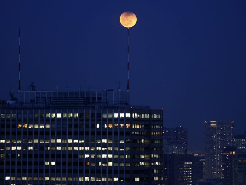 Lua vermelha: o eclipse em Tóquio Foto Reuters