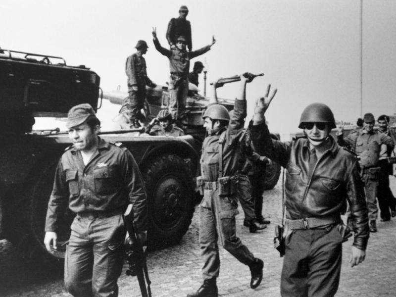 25 abril 1974, imagens do dia: Salgueiro Maia (Foto Reuters)