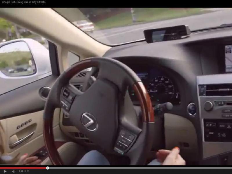 Carro da Google sem condutor já anda na estrada