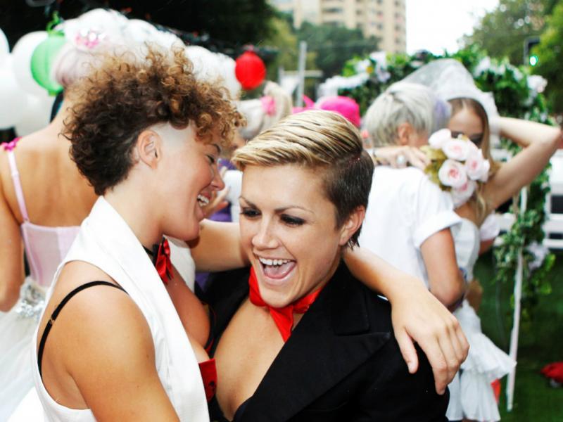Candidato estadual é contra o casamento gay