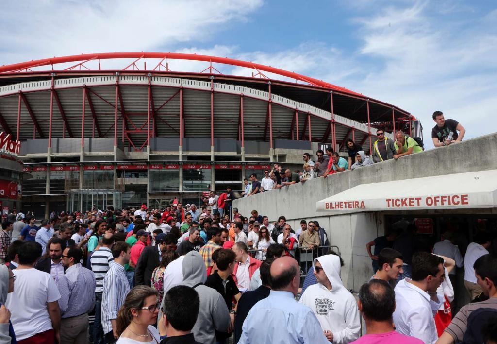 Loucura na venda de bilhetes para Turim (LUSA)