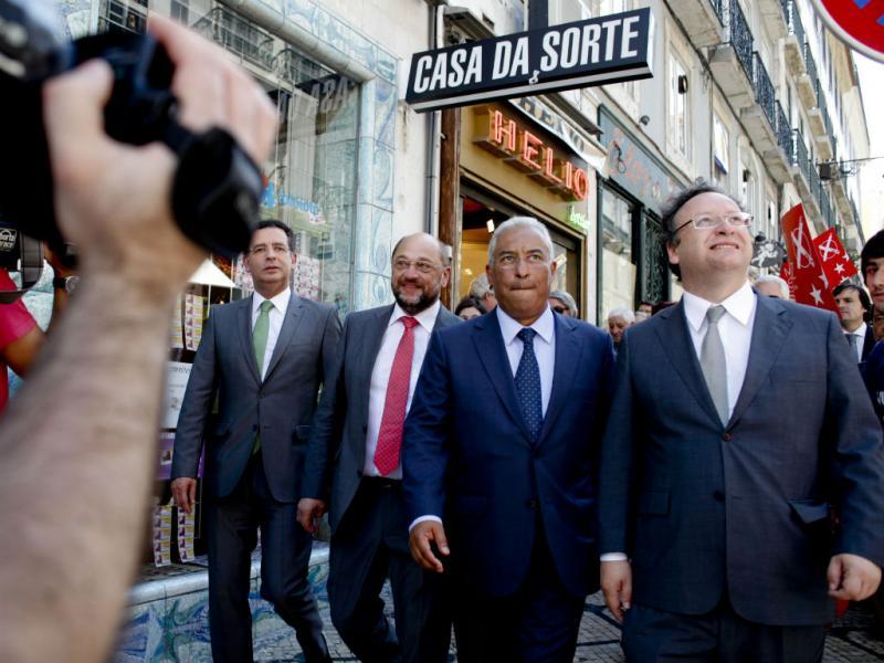 Schulz na baixa de Lisboa com Seguro, Costa e Assis (Pedro Nunes/Lusa)